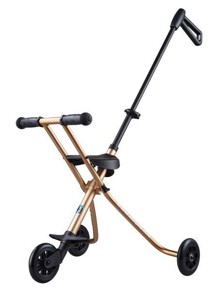 MICRO TRIKE DELUXE ORO - El revolucionario sistema para pasear por la ciudad. Ahora con sujecion para los niños.